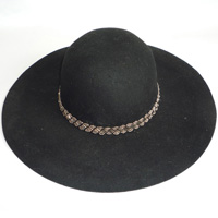 hat with beads band