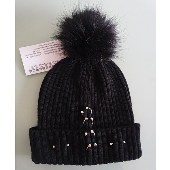 acrylic beanie with rings