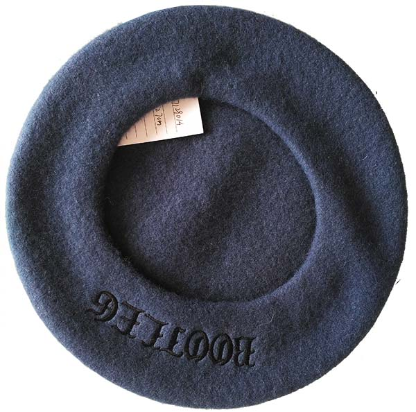 velet beret with signature